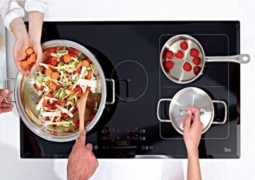 Bếp từ có nhiều vùng nấu tiện lợi
