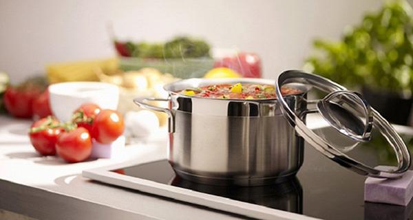 Lưu ý sử dụng bếp từ khi trời ẩm ướt
