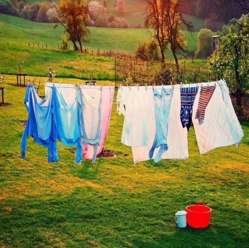 Có nên giặt quần áo mới mua trước khi mặc không ?