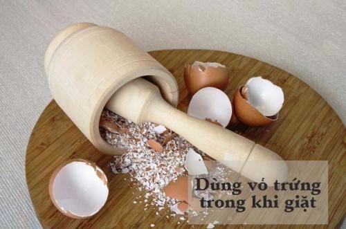 Mẹo dùng vỏ trứng khi giặt đồ