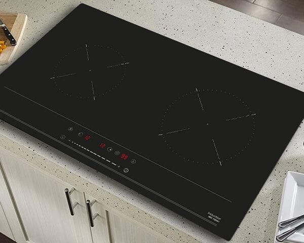 Bếp từ Teka IBC 72301 có kiểu dáng phù hợp với các căn bếp hiện đại.